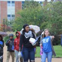 Students touring Saint Louis University